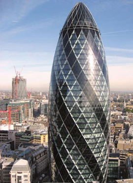 """瑞士再保险塔位于英国伦敦""""金融城"""""""